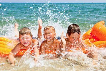 Bambini in spiaggia | Colonia Marina di Bra - Casa Vacanze Laigueglia