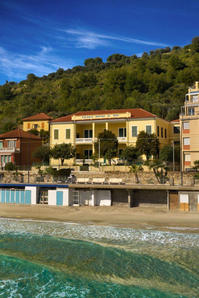 La Colonia Marina di Bra fotografata dal mare | Colonia Marina di Bra - Casa Vacanze Laigueglia