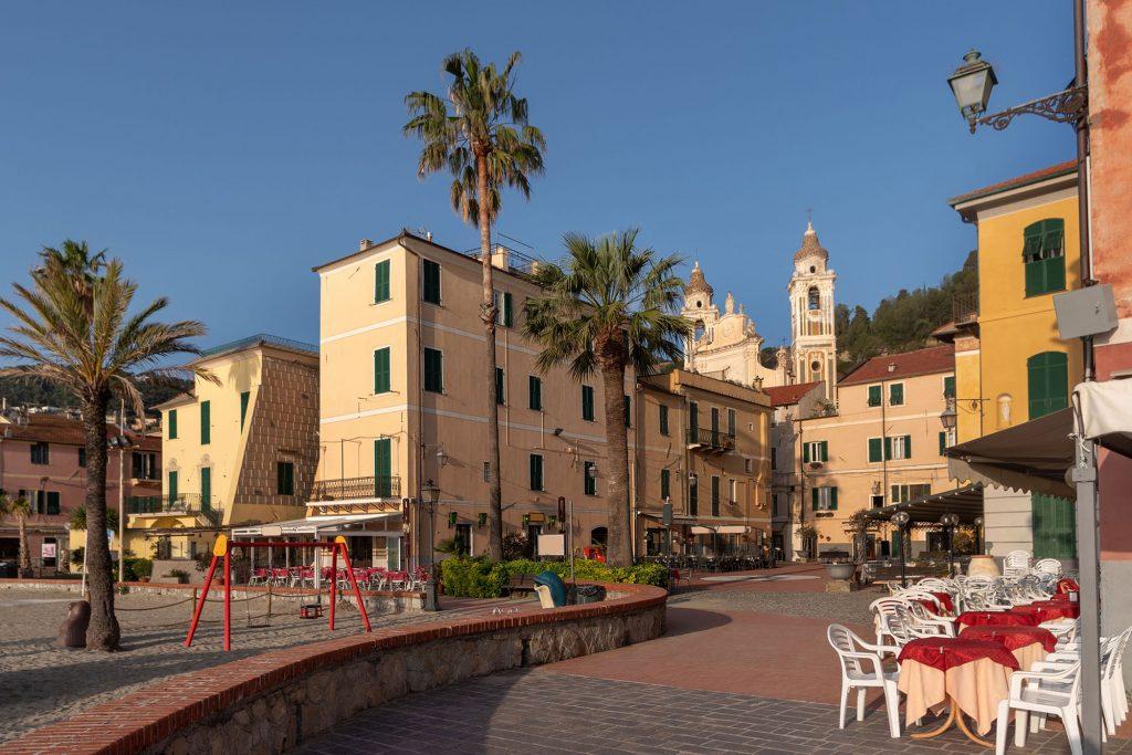 Centro storico di Laigueglia | Colonia Marina di Bra - Casa Vacanze Laigueglia